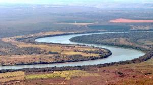 Trecho do rio São Francisco entre os municípios de Ponto Chique e Várzea da Palma