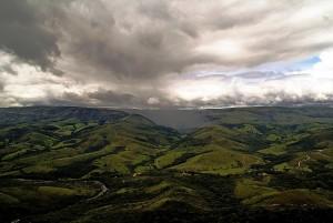 Alternância entre Mata Atlântica e cerrado no Parque Nacional da Serra da Canastra
