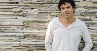 """Jorge Vercillo apresenta com turnê """"A Experiência"""" no KM de Vantagens Hall"""